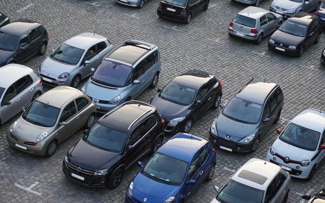 Jaką wybrać wypożyczalnię aut? Czym się kierować wybierając auto wypożyczalnię?