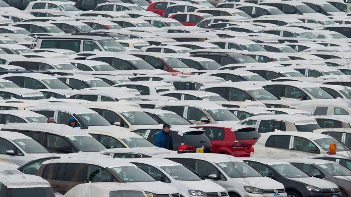 wypozyczalnia-samochodow-warszawa-parking