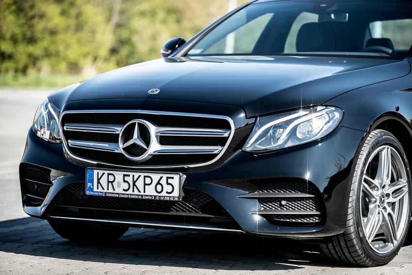 wypozyczalnia-samochodow-mercedes-e-klasa-automat-amg-front