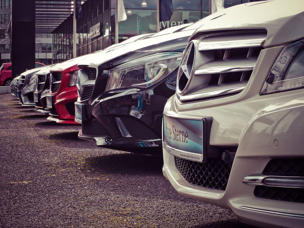 Wynajem samochodu na firmę – jak wypożyczyć auto na firmę?